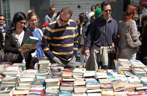 Parada de llibres al Sant Jordi a la Rambla // RdR