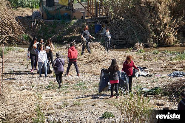 Neteja riu Clean Up Day (16)