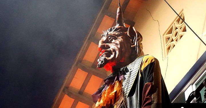 Cabraboc Vell i Vella gitanes Diables Carnaval (29)